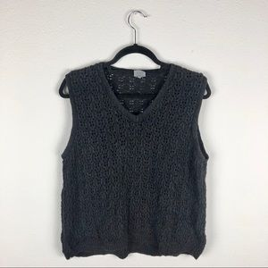 CP SHADES Open Knit V Neck Sleeveless Sweater Lage